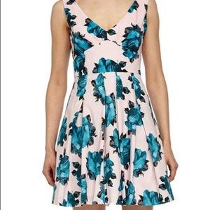 🎀Betsy Johnson Bow-back Dress